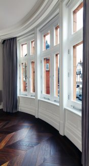 12 Herbert Crescent Knightsbridge bay window