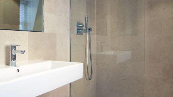 12 Herbert Crescent Knightsbridge bathroom