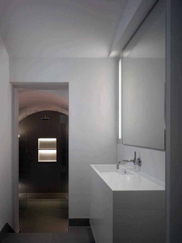 31 Manchester Street Marylebone London bathroom